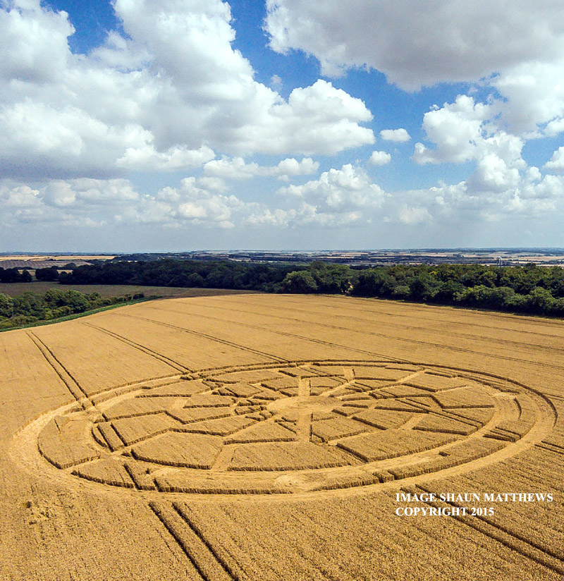 black-sun-crop-circle-aug-8-2015-8-8-8-oxdrove-wiltshire-england-c